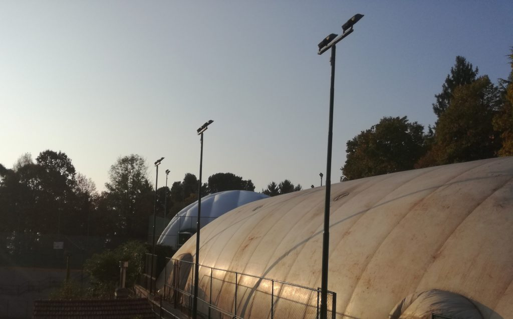 due campi da tennis coperti al Boschi Sport club